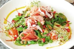 Prosciutto crudo salad